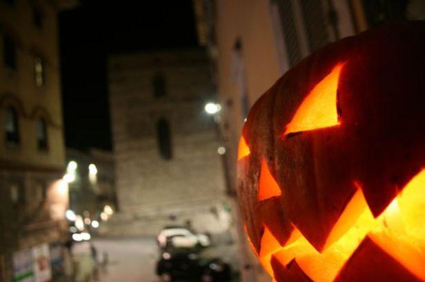 7 Travestimenti per Halloween (all'Italiana) che farebbero davvero paura!